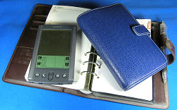 システム手帳2冊とSony PEG-S300/D