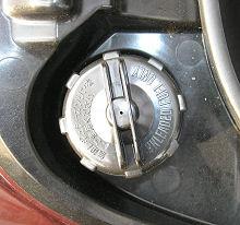 レッツ4の燃料キャップ