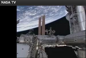 国際宇宙ステーションにドッキングしたスペースシャトル・エンデバー