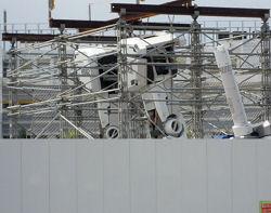 JR東静岡駅側から見たかガンダムの腕 (2)