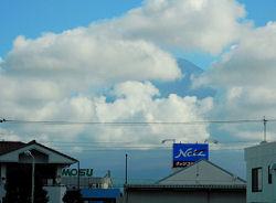 富士市から望む富士山 2010.08.04 8時頃