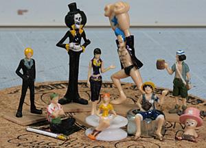 後列左から:サンジ、ブルック、ロビン、フランキー、ウソップ 前列左から:ゾロ、ナミ、ルフィ、チョッパー