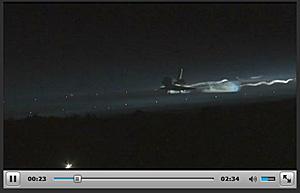アトランティスの着陸 NASA TV から画像引用