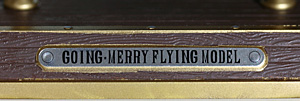 ゴーイング・メリー号 フライングモデル 台座のロゴ