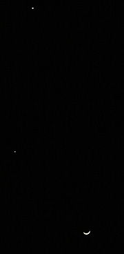 金星(上)と木星と三日月(下) 2012.03.25 19:05 静岡市葵区 西の空