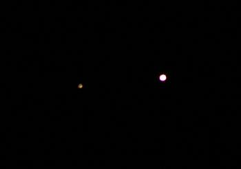 左:土星 右:金星 2012.11.27 5:03 静岡市葵区平野部 東の空