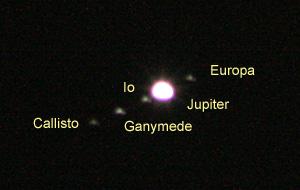 木星とエウロパ、イオ、ガニメデ、カリスト 2012.12.25 20:47 静岡市葵区平野部