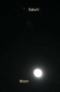 月齢13.5の月と土星 2013.05.23 20:36 静岡市葵区平野部 東南の空