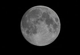 十四夜(月齢 13.7)の月 2013.08.20 22:54 静岡市葵区平野部南の空