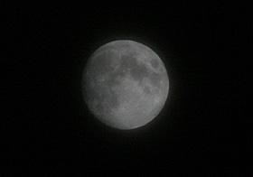 十三夜の月(月齢 12.5) 2013.10.17 20:58 静岡市葵区平野部 南東の空