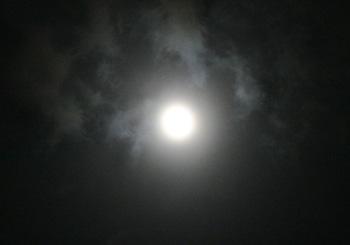月齢 13.7の月 2013.22.13 22:16 静岡市葵区平野部 天頂付近