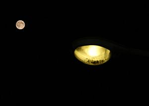 月齢 15.3の月 2014.07.12 22:49 静岡市葵区平野部東南の空