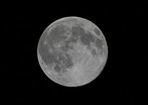 月齢 14.3の月 2014.07.11 19:20 静岡市葵区平野部東南の空