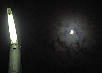 十六夜の月 月齢 15.6 2014.08.11 22:24 静岡市葵区平野部 南東の空