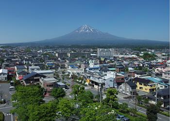 富士宮市役所7階から見る富士山 2015.05.13