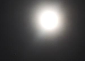 月と土星 2015.06.01 22:06 静岡市葵区平野部 東南の空