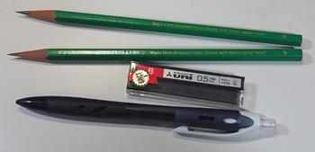 Bの鉛筆とシャープペンシル