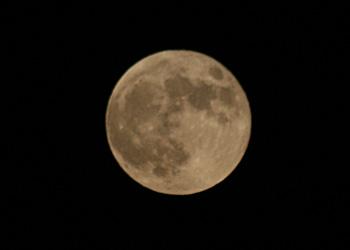 スーパームーン 月齢 15.3 2015.09.28 18:41 静岡市葵区平野部 東の空