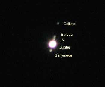 木星とガリレオ衛星(ガニメデ、イオ、エウロパ、カリス) 2015.12.29 1:50 静岡市葵区平野部 東南東の空