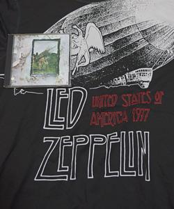 ユニクロのレッド・ツェッペリンのTシャツとレッドツェッペリンⅣ