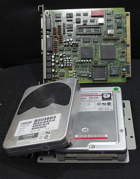 内蔵HDDとCD-ROMボード