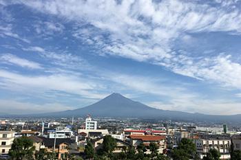 今朝の富士山 2016.10.12 富士市本市場