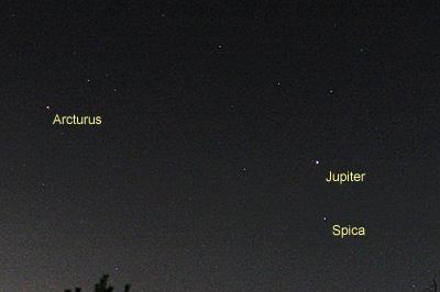 木星、スピカ、アルクトゥールス 2016.12.11 4:19 静岡市葵区平野部 東南東の空