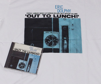 'OUT TO LUNCH!'のシャツとCD