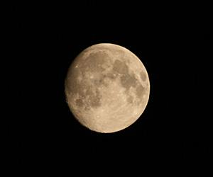 月齢 13.1の月 2017.08.05 21:56 静岡市葵区平野部 南の空