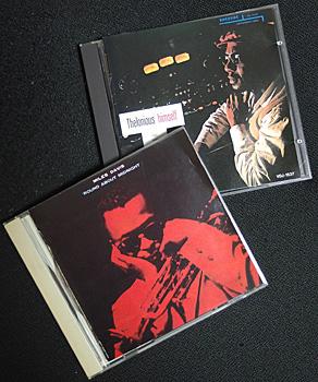「ラウンド・ミッドナイト」が収録されたマイルス・デイビスの「ラウンド・アバウト・ミッドナイト」とセロニアス・モンクの<br /> 「セロニアス・ヒムセルフ」