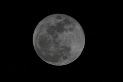 満月 十六夜の月(月齢 15.2) 2018.01.02 19:17 静岡市葵区平野部 東の空