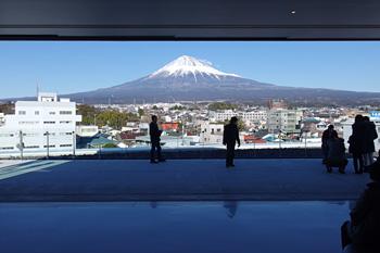 展望ホールから望む富士山