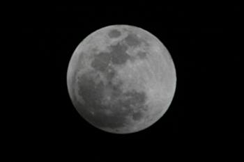 月食前の月(月齢14.4)  2018.01.31 20:30 静岡市葵区平野部 東の空