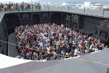 格納庫と甲板をつなぐエレベーター
