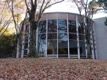 静岡市立中央図書館 城北公園側