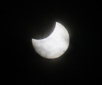 部分日食 食分 0.39 2019.01.06 10:14 静岡市平野部 南南東の空