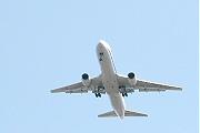 名古屋空港に着陸するB6